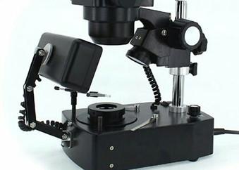 전문가용 보석감정 현미경을 구비하였습니다.